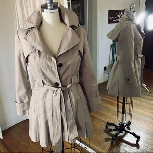 Via Spiga Trench w removable hood